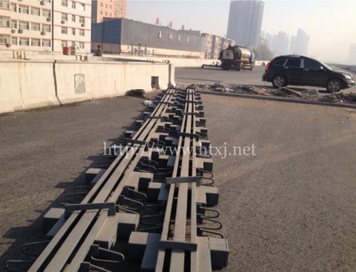 郑州三环绕城高速伸缩缝安装